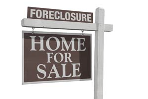 """For Sale"" and ""Foreclosure"" signs"