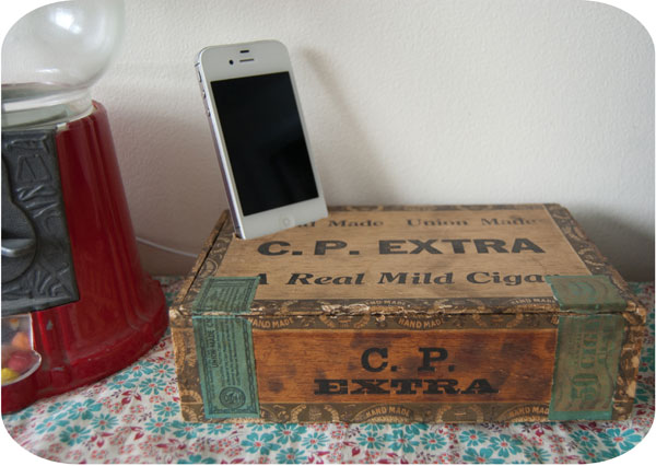 Decorating with vintage cigar boxes